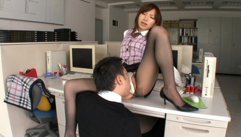 働く美女と性交 キャプチャ画像