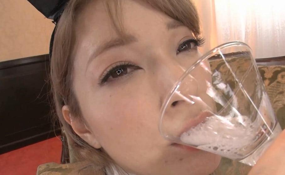 ティアのバニーガールグラスでごっくん